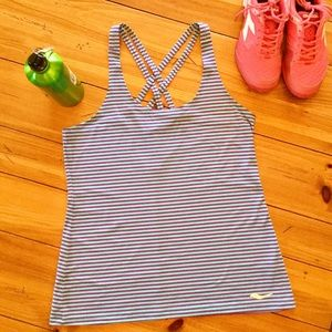 NWOT Saucony Strider Tank Stylish & Soft!